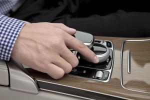 奔驰C-Class将集成苹果CarPlay车载系统