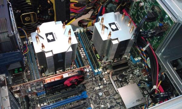 Intel垄断服务器芯片市场 售价逐年抬高