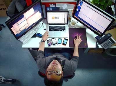 """月薪4000不敢谈恋爱 IT工程师自喻""""屌丝"""""""