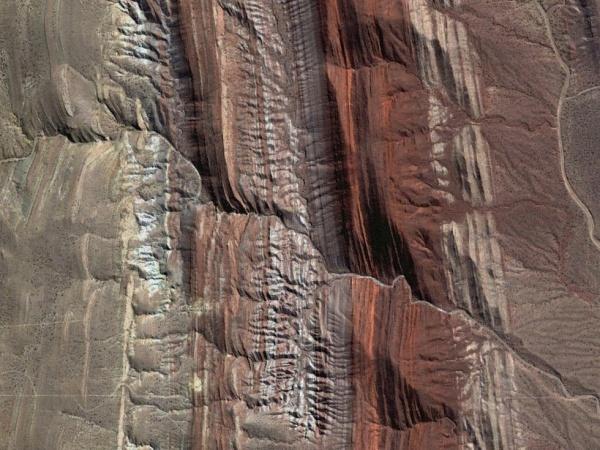 用谷歌地球捕捉到的神奇地貌