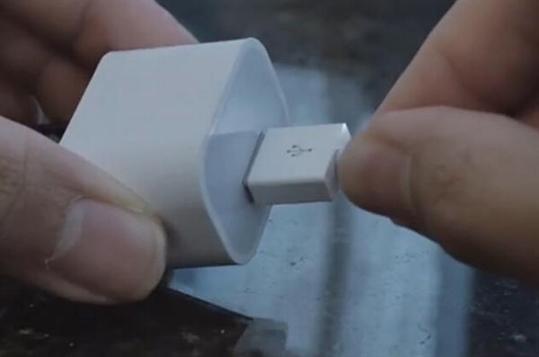 插着就是爽!iPhone 6数据线使用演示