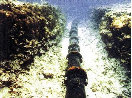 海底光缆到底是怎么铺设的?