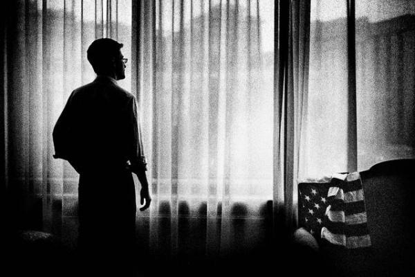 斯诺登秘闻:棱镜门前后的心路历程