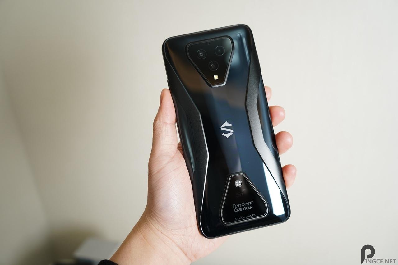 黑鲨3评测:你是否需要一台专用的游戏手机?